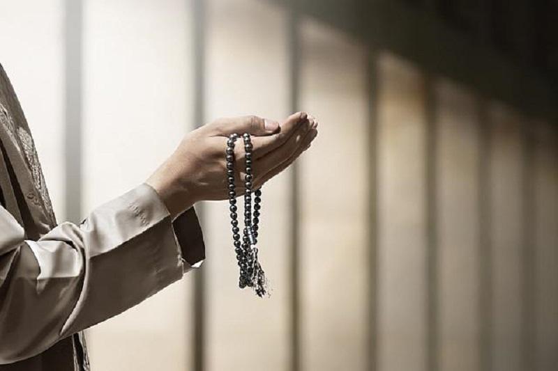 https: img.okezone.com content 2020 06 05 618 2225071 doa-ashabul-kahfi-senjata-gus-dur-pecahkan-masalah-GSygK10nYj.jpg