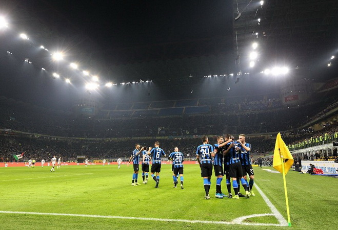 https: img.okezone.com content 2020 06 08 47 2226512 sneijder-optimistis-inter-milan-juara-coppa-italia-2019-2020-vzYqe0pzR2.jpg