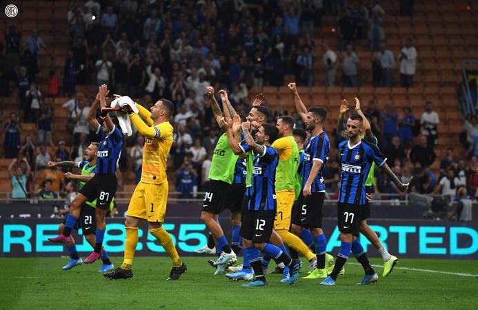 https: img.okezone.com content 2020 06 08 47 2226516 sneijder-ragu-inter-milan-juara-liga-italia-2019-2020-bdFANetoTp.jpg