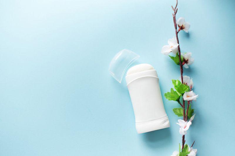 https: img.okezone.com content 2020 06 08 611 2226459 6-manfaat-deodoran-enggak-cuma-hilangkan-bau-ketiak-loh-KGBtG3gngS.jpg