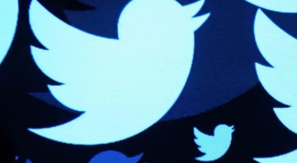 https: img.okezone.com content 2020 06 09 207 2227246 twitter-bakal-izinkan-pengguna-miliki-tanda-centang-biru-6z2jYhicsZ.jpeg