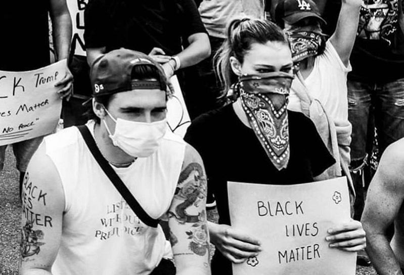 https: img.okezone.com content 2020 06 09 33 2227163 victoria-beckham-bangga-brooklyn-dan-pacar-ikut-aksi-black-lives-matter-f8RanUs3vR.jpg