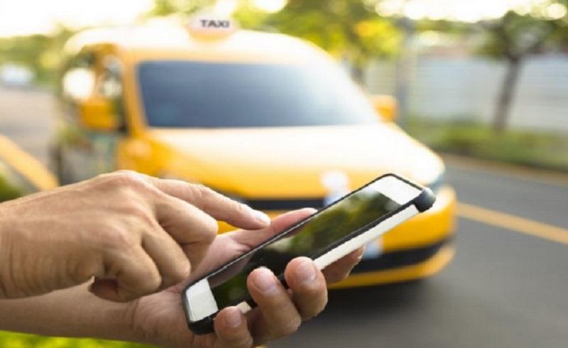 https: img.okezone.com content 2020 06 09 612 2226758 jeritan-via-selama-psbb-tiap-hari-habis-rp100-ribu-hanya-buat-naik-taksi-online-Qxkf1NO1sk.jpg