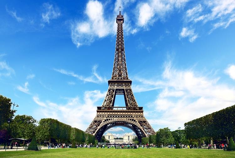 https: img.okezone.com content 2020 06 10 406 2227868 menara-eiffel-buka-25-juni-pengunjung-tak-boleh-berkerumun-ya-FOulIsxLPy.jpg