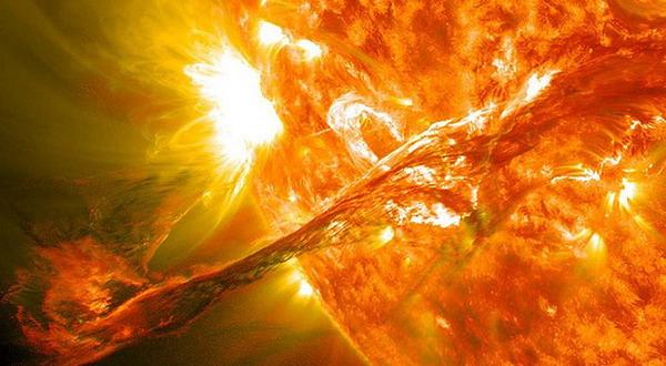 https: img.okezone.com content 2020 06 10 56 2227627 fenomena-kilatan-matahari-terkuat-pada-mei-ini-penjelasan-lapan-npWQF41Hzg.jpg