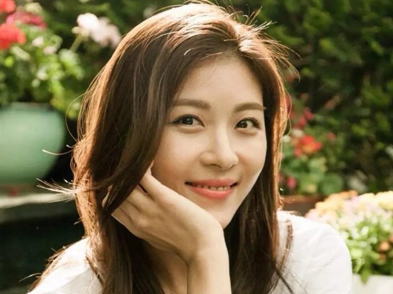 https: img.okezone.com content 2020 06 10 611 2227346 wajah-masih-seperti-anak-kuliahan-ini-rahasia-awet-muda-3-artis-korea-fxf8PRGAs5.jpg