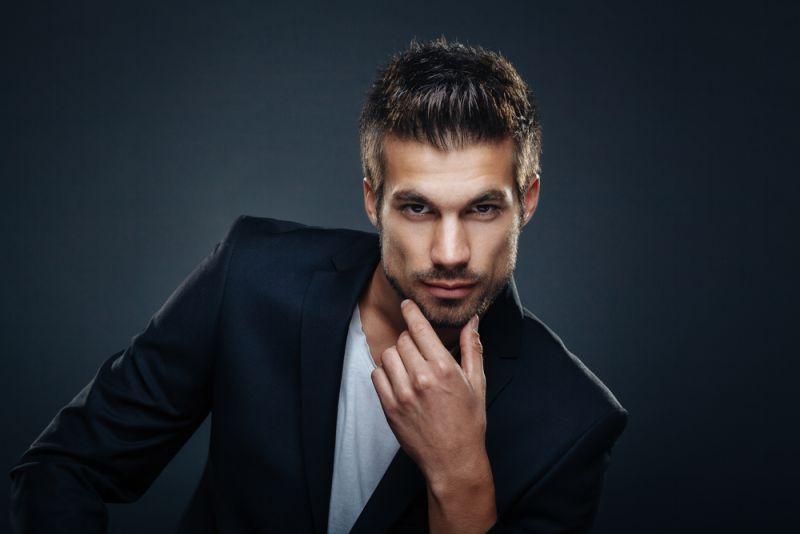 https: img.okezone.com content 2020 06 10 611 2227837 4-model-rambut-ekstrem-untuk-sambut-new-normal-kamu-berani-potong-begini-gak-guys-rQ6wchsO0d.jpg