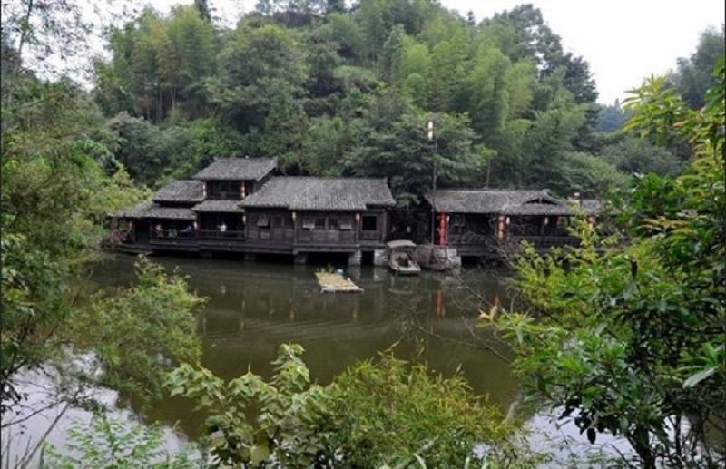https: img.okezone.com content 2020 06 11 406 2228552 misteri-ding-wuling-desa-di-china-yang-bebas-nyamuk-hampir-satu-abad-fRbw6qQCH3.jpg