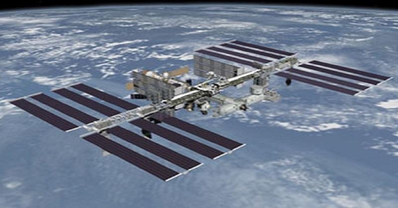 https: img.okezone.com content 2020 06 11 56 2228201 stasiun-luar-angkasa-bisa-dilihat-dengan-mata-telanjang-ini-caranya-piHnPNE8YA.jpg