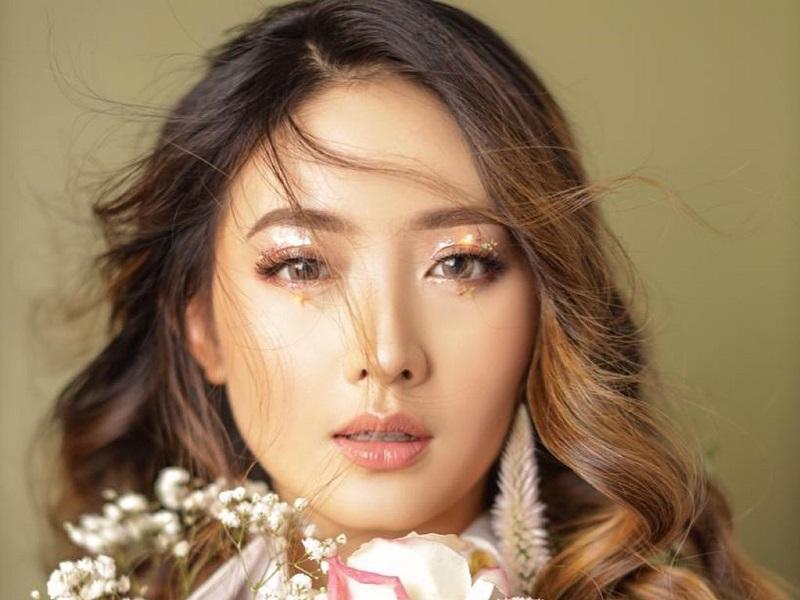 https: img.okezone.com content 2020 06 12 611 2228769 pesona-natasha-wilona-yang-masuk-daftar-100-perempuan-tercantik-di-dunia-kQ5fRrxlad.jpg