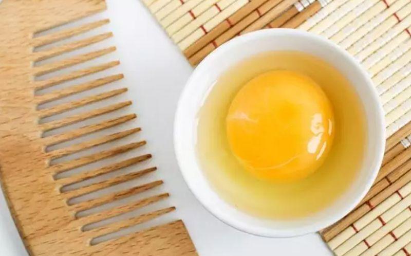 https: img.okezone.com content 2020 06 12 611 2229036 diy-masker-rambut-dari-kuning-telur-yuk-dicoba-ladies-fb7knFevNN.jpg