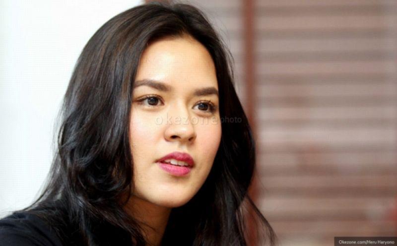 https: img.okezone.com content 2020 06 12 611 2229073 daftar-100-perempuan-tercantik-di-dunia-4-diisi-srikandi-indonesia-8XcF77lJf2.jpg