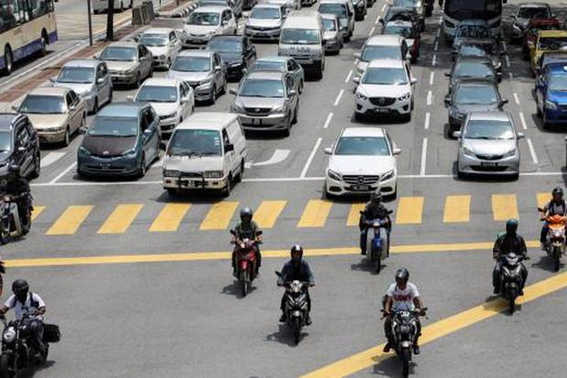 https: img.okezone.com content 2020 06 13 52 2229387 penjualan-mobil-malaysia-anjlok-hingga-99-akibat-pandemi-covid-19-9iCXl5mktl.jpg