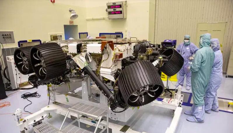 https: img.okezone.com content 2020 06 13 56 2229557 pandemi-covid-19-nasa-tunda-peluncuran-rover-mars-2020-4WQpFIaLih.jpg