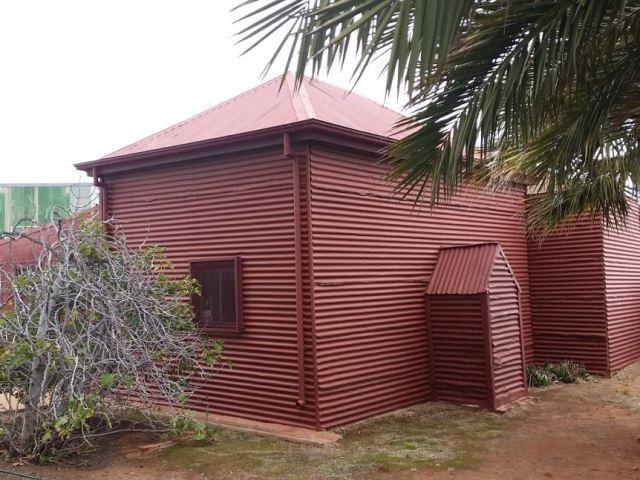 https: img.okezone.com content 2020 06 14 615 2229699 masjid-tua-di-lokasi-bekas-kamp-unta-australia-akan-direnovasi-vrQ9wUlP2k.jpg