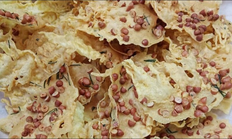 https: img.okezone.com content 2020 06 15 298 2230610 resep-peyek-kacang-tanah-dan-udang-rebon-renyah-bikin-terus-ngunyah-3j0ZqjZUGs.jpg