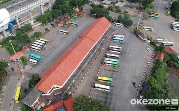 https: img.okezone.com content 2020 06 15 320 2230489 penumpang-dibatasi-tarif-bus-naik-meSzQS4dbL.jpg