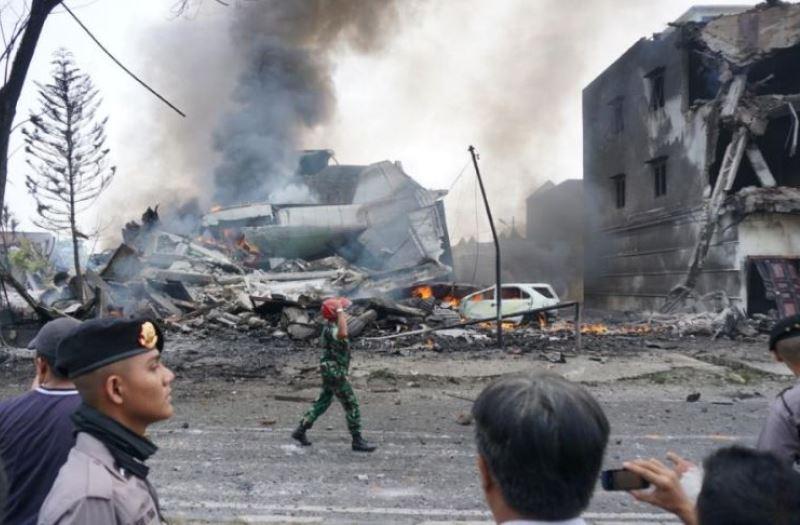 https: img.okezone.com content 2020 06 15 337 2230159 deretan-insiden-pesawat-tni-jatuh-nomor-4-korbannya-lebih-dari-100-orang-K0K378Zdkc.jpg