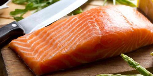 https: img.okezone.com content 2020 06 15 481 2230611 ekstrak-ikan-salmon-punya-manfaat-setara-terapi-stem-cell-loh-lB1B7Slqnw.jpg