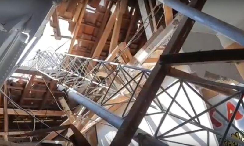 https: img.okezone.com content 2020 06 15 525 2230466 tower-setinggi-60-meter-roboh-timpa-gedung-bpn-1-orang-tewas-kz0soVOP59.jpg