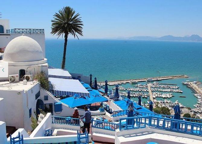 https: img.okezone.com content 2020 06 15 615 2230203 jelajah-tunisia-masjid-kuno-peninggalan-sahabat-nabi-hingga-colosseum-romawi-VTjBCKU15o.JPG