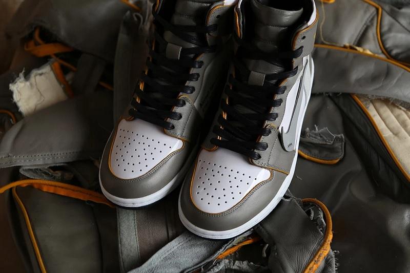 https: img.okezone.com content 2020 06 16 194 2230695 unik-perancang-ini-bikin-sepatu-dari-kursi-pesawat-LwqUy3WbBs.jpg