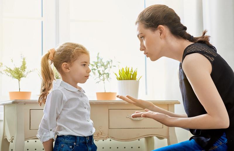 https: img.okezone.com content 2020 06 16 196 2230678 orangtua-pantang-ucapkan-5-kalimat-ini-kepada-anak-mentalnya-bisa-runtuh-N8kBhDdBjj.jpg