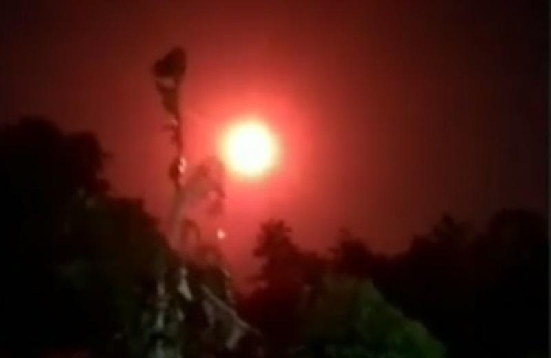 https: img.okezone.com content 2020 06 16 56 2230895 viral-penampakan-bola-api-di-langit-netizen-sebut-flare-gun-lPdf7fhCqQ.jpg
