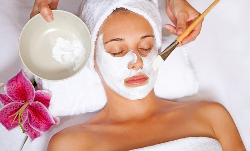 https: img.okezone.com content 2020 06 16 611 2230644 rajin-pakai-facial-mask-bikin-kamu-cegah-risiko-penuaan-dini-oei0pZ1W3D.jpg