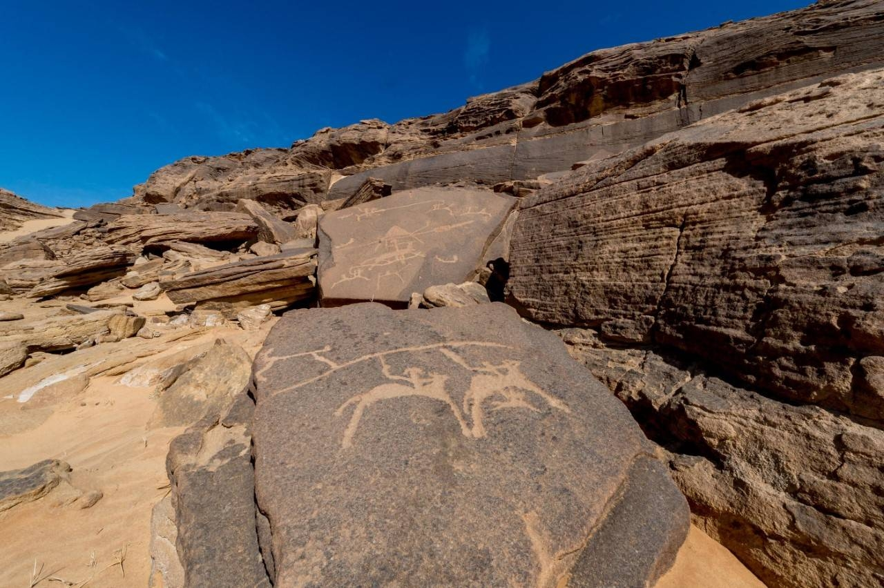 https: img.okezone.com content 2020 06 16 615 2230771 kota-najran-di-saudi-siap-jadi-museum-prasasti-batu-terbesar-di-dunia-59jBQtAKiN.jpg