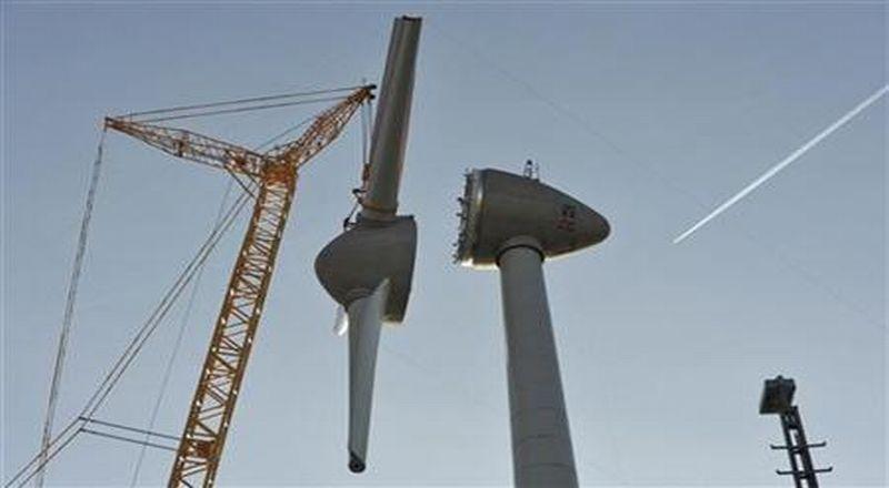 https: img.okezone.com content 2020 06 17 320 2231710 14-daerah-paling-prospektif-miliki-energi-bayu-3-besar-di-luar-pulau-jawa-PKRfWN39cf.jpg