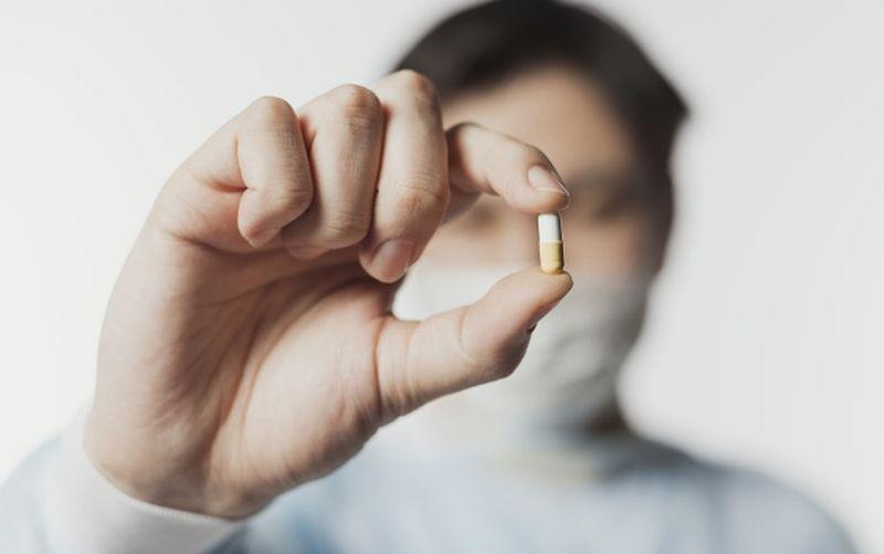 https: img.okezone.com content 2020 06 17 481 2231672 deretan-obat-yang-jadi-kandidat-penyembuh-covid-19-apa-saja-yang-lolos-fK6xjdP0m7.jpg