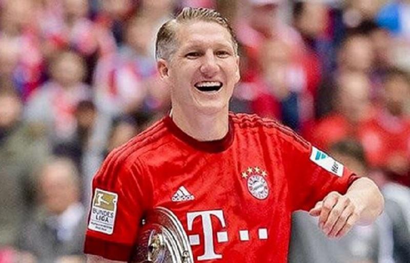 https: img.okezone.com content 2020 06 17 51 2231382 schweinsteiger-selamat-atas-gelar-ke-8-beruntun-liga-jerman-bayern-munich-dsAy4jYPxI.jpg