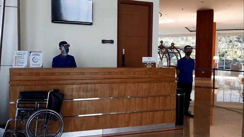 https: img.okezone.com content 2020 06 17 525 2231584 karyawan-hotel-dapat-bogem-mentah-usai-tegur-tamu-yang-tak-pakai-masker-c2t3rJ2orW.jpg