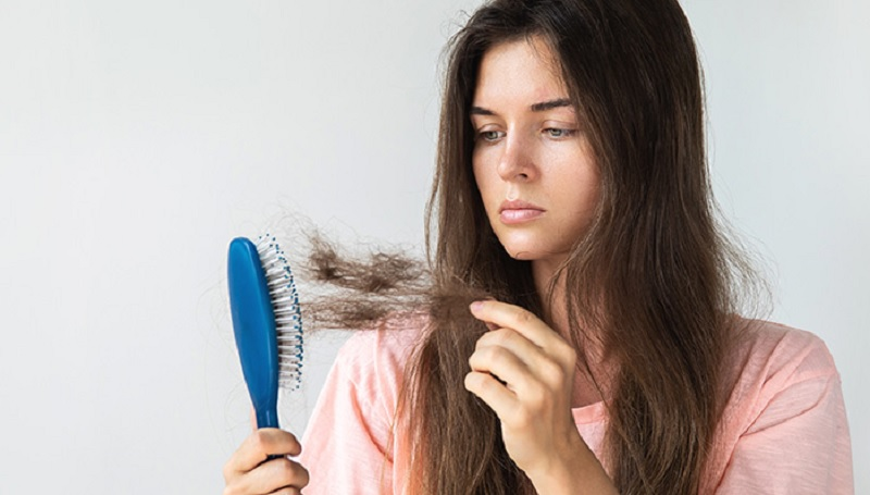 https: img.okezone.com content 2020 06 17 611 2231922 4-bahan-alami-solusi-masalah-rambut-rontok-M8KbFVhgbh.jpg