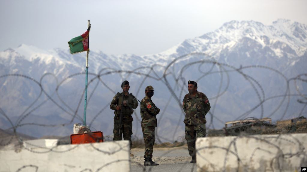 https: img.okezone.com content 2020 06 18 18 2231967 serangan-taliban-tewaskan-17-tentara-afghanistan-KQ40AySJLn.jpg