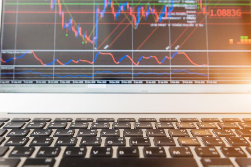 https: img.okezone.com content 2020 06 18 320 2232276 saham-pilihan-terbaik-milenial-untuk-memulai-investasi-x86piD057X.jpg