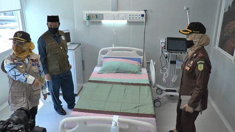 https: img.okezone.com content 2020 06 18 519 2232374 rumah-sakit-isolasi-covid-19-bisa-digunakan-mulai-hari-ini-49hccY7j6z.jpg