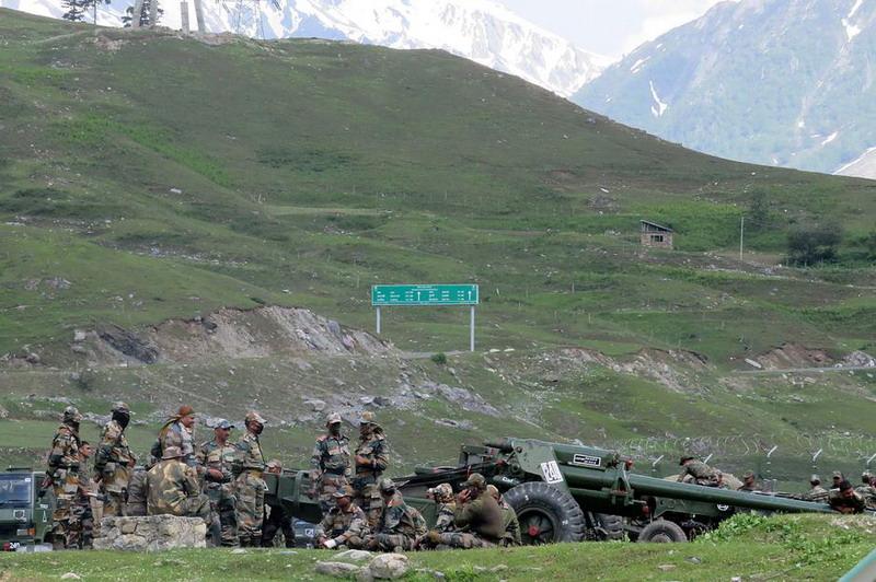 https: img.okezone.com content 2020 06 19 18 2232690 china-bebaskan-10-tentara-india-pasca-bentrokan-berdarah-di-perbatasan-7Cu9ArsJet.jpg