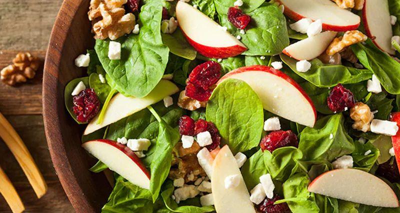 https: img.okezone.com content 2020 06 19 298 2233059 sarapan-akhir-pekan-3-kreasi-kudapan-salad-apel-pNy0UWbNln.jpg