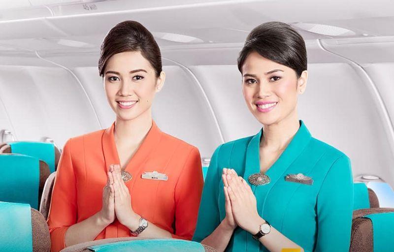 https: img.okezone.com content 2020 06 19 406 2232976 penumpang-tak-lihat-senyum-garuda-stop-aturan-pramugari-gunakan-masker-di-pesawat-IIWLGc9Zkn.jpg