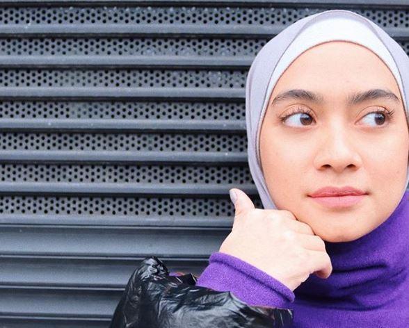 https: img.okezone.com content 2020 06 19 617 2232767 4-tips-memadukan-modest-wear-dan-hijab-ala-ayudia-chaerani-bhTZ2cwuIU.JPG