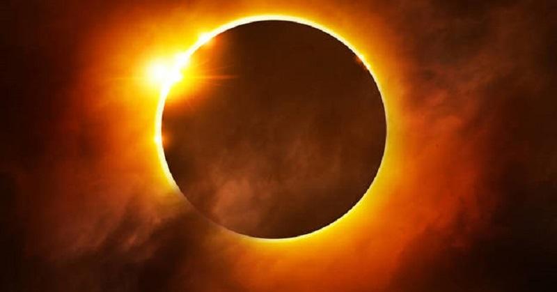 https: img.okezone.com content 2020 06 20 340 2233430 gerhana-matahari-cincin-di-sumbar-hanya-terlihat-sebagian-BQNYYoOFIR.jpg