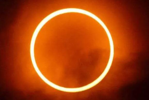 https: img.okezone.com content 2020 06 20 614 2233625 muhammadiyah-imbau-umat-muslim-sholat-gerhana-matahari-di-rumah-AyidaKmjqf.JPG