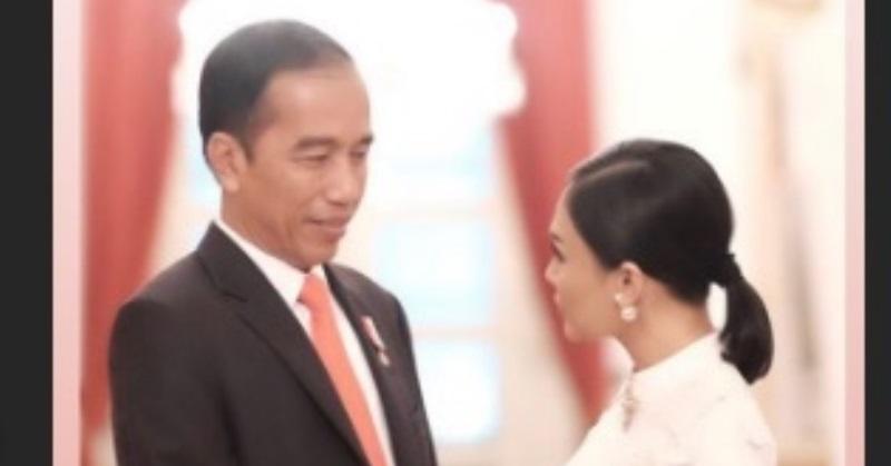 https: img.okezone.com content 2020 06 21 33 2233745 posting-foto-bareng-presiden-jokowi-yuni-shara-sugeng-ambal-warso-DkcIdddmWf.jpg