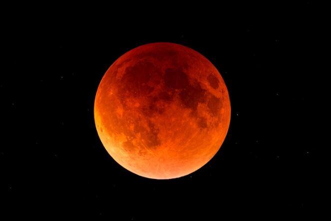 https: img.okezone.com content 2020 06 21 614 2233887 muhammadiyah-5-kota-di-indonesia-tak-dilewati-gerhana-matahari-cincin-ZThbrQ6nA1.JPG