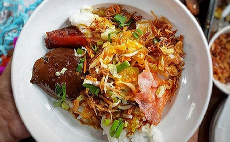 https: img.okezone.com content 2020 06 22 298 2234130 hut-jakarta-bubur-ase-makanan-khas-betawi-yang-disukai-jokowi-vl4UgjzM7L.jpg