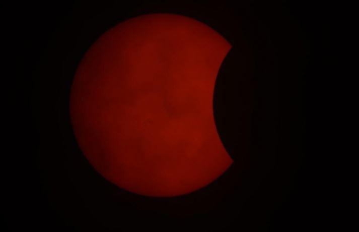 https: img.okezone.com content 2020 06 22 614 2234082 gerhana-matahari-cincin-hanya-terlihat-12-persen-di-aceh-AMFmMx6XAZ.JPG