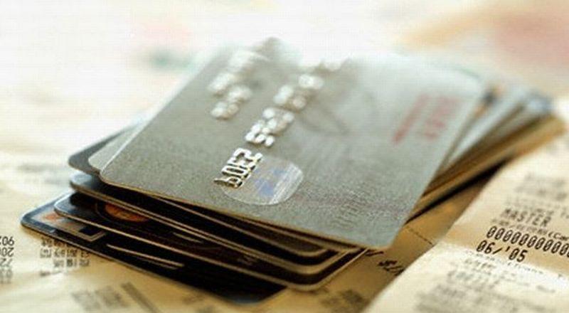 https: img.okezone.com content 2020 06 23 320 2234819 transaksi-kartu-kredit-lebih-aman-mana-pakai-pin-atau-tanda-tangan-WLn7aYccey.jpg