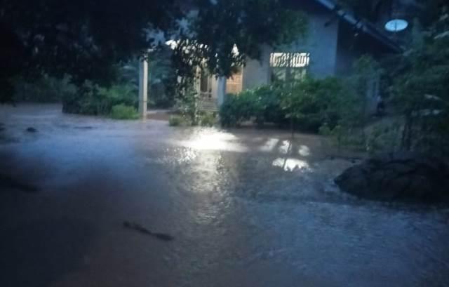 https: img.okezone.com content 2020 06 23 340 2235276 banjir-bandang-terjang-bengkulu-32-jiwa-mengungsi-dmTeoY2DkP.jpeg